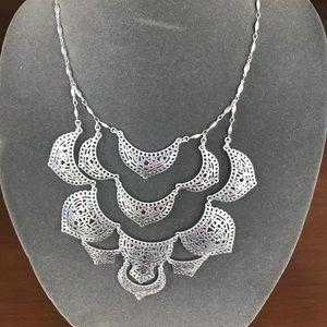 Jewelry - Stella & Dot Necklace